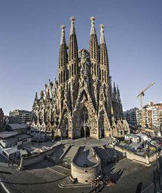 Tempio Espiatorio della Sacra Famiglia (Sagrada Familia), Barcellona, Spagna
