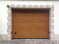 Nuova finitura PERFECT TOUCH by Breda - Effetto naturale… che si sente al tatto! http://www.bredasys.com/Portoni_Sezionali/Perfect_Touch_Breda.html #breda #portoni #garage #simil #legno #Perfect #Touch #sectional #door #doors #woodlike