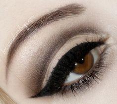 Classic black cat eye makeup