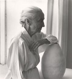 Georgia O'keeffe | abiquiu, Nuevo México. Artista estadounidense pionera en el campo de las artes visuales.