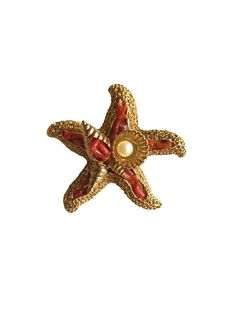 Exquisite Signed Vintage Coral and faux Pearl Starfish Textured Brooch, Nautical Sailor jewellery, Exquisite rare collectable jewellery Pearl Jewelry, Jewelry Art, Mother Of The Bride Jewelry, Xmas Gifts For Her, Gold Texture, Vintage Signs, Starfish, Wedding Jewelry, Jewelry Collection