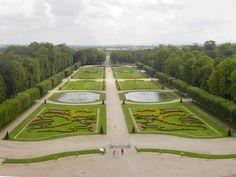 Château de Lunéville, Francja. Widok z pałacu w stronę ogrodu.