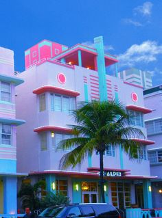 Miami Art deco - palm and bright pastels