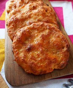 HELPOT PORKKANARIESKAT - Kaakao kermavaahdolla No Salt Recipes, Low Carb Recipes, Cooking Recipes, Meatless Recipes, Bread Recipes, Savoury Baking, Bread Baking, Coffee Bread, Salty Foods
