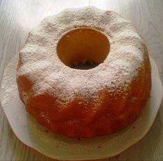 Veľmi jednoduchá, chutná a keď si ju spestríte rôznym ovocím, tak zakaždým bude iná. Cupcake Cakes, Cupcakes, Mini Cheesecakes, Sponge Cake, Sweet Desserts, Pound Cake, Bagel, Food Hacks, Doughnut