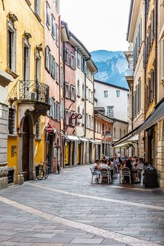 Trento, Italy - A Secret Travel Guide to the Northern Italian City Street with a Cafe in Trento, Italy. This northern Italian city is underrated and worth traveling to. Click through for more pictures Cool Places To Visit, Places To Go, Italy Street, Empire Romain, Destinations, Northern Italy, Strasbourg, City Streets, Streets Of Italy