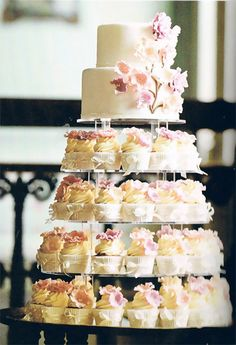 Divine Wedding Cupcakes - Cupcake Daily Blog - Best Cupcake Recipes .. one happy bite at a time!