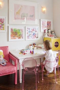 A Kids Bedroom on Manhattan& Upper West Side, photographed by Attic Fire, via Sarah Sarna. A Kids Bedroom on Manhattans Upper West Side, photographed by Attic Fire, via Playroom Decor, Kids Decor, Home Decor, Playroom Ideas, Decor Ideas, Playroom Table, Decorating Ideas, Teen Girl Bedrooms, Little Girl Rooms