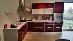 Kuhinje z lesenimi detajli...   DanKuchen - kuhinje vaših sanj ...