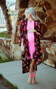 LOVE the kimono over the bodycon dress