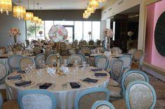Urmează un eveniment important în viața ta ? Lasă-ne să te ajutăm să-ți îndeplinești visul !   Restaurantul TurQuoiSE  iți oferă o locație deosebită cu deschidere la malul mării unde te poți bucura de până la 450 de invitați pentru orice tip de eveniment privat (nuntă, cununie civilă în aer liber pe terasă cu piscină sau pe plajă, botez, logodnă, aniversare, majorat) sau corporate (seminarii, conferințe, ședințe, aniversări, petrecere crăciun, workshop-uri, team building-uri, evenimente… Marie, Table Settings, Restaurant, Table Decorations, Furniture, Home Decor, Littoral Zone, Decoration Home, Room Decor