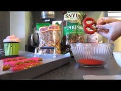 Video tutorial on making chocolate covered pretzels