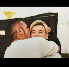 Son (Martinus) and dad love❤️❤️❤️❤️❤️❤️❤️ I Love U Daddy, My Love, Dream Boyfriend, Fathers Love, Twin Boys, My Prince, Cute Photos, Loving U, Pretty Boys