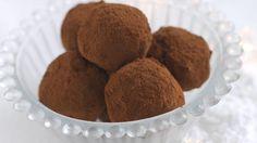 Oppskrift på Sjokoladetrøffel Nutella, Christmas Treats, Love Food, Almond, Sweet Treats, Food Porn, Muffin, Healthy Recipes, Snacks