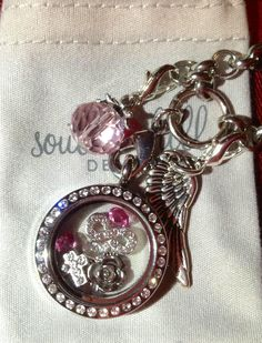 Love this one!  http://www.southhilldesigns.com/janicepalumbos/default