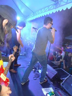 My photographs: Pupil with guest vocalist Glenn Jacinto of Teeth