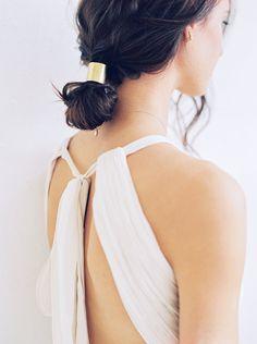16 Minimalist Wedding Ideas That Show Less *Is* More via Brit + Co