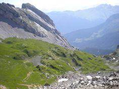 Vue sur le lac de Peyre depuis le col de Balafrasse / Haute-Savoie / Alpes