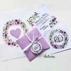 Вот какую нежность я сделала для Саши и Кати.  Акварельный венок, рукописный шрифт, конвертики и бантики - все из-под моих рук и сердца 😉   #nevestainfo #taboya #wedding #weddingdecor