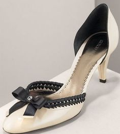 Google Image Result for http://www.ohmyshoes.it/wp-content/uploads/2007/01/decolte-armani.jpg