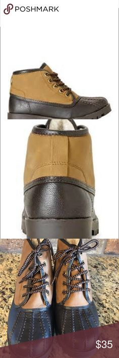 Mens Steve Madden duck boots. Mens Sz 7. Womens 9 Steve Madden duck boots. Sz mens 7 women's 9. Like new firm Steve Madden Shoes Boots