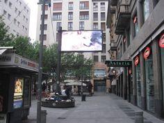 Schermo digitale Monge - Milano via Torino giugno 2015