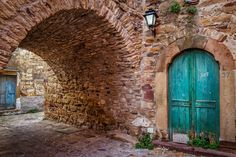 Door+-+This+area+is+located+in+the+village+Thimiana,+Central+Chios+island.+A+characteristic+of+the+region+is+the+lovely+red+stone+that+adorns+the+homes+and+streets+of+the+village!