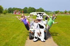 Im DORFHOTEL Fleesensee können sich die Kinder schon in frühen Jahren bei einem Golf-Schnupperkurs vesuchen.