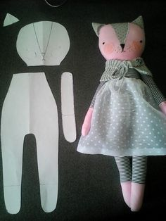 Baby Diy Projects, Sewing Projects For Kids, Doll Sewing Patterns, Sewing Dolls, Doll Crafts, Sewing Crafts, Homemade Dolls, Fabric Toys, Cat Doll