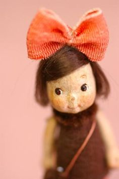 tell me that's not kiki Valley Of The Dolls, Paperclay, Old Dolls, Felt Art, Doll Face, Softies, Felt Crafts, Beautiful Dolls, Doll Toys