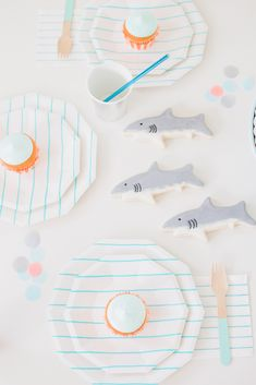 Let the Fin begin: Throw a Shark Themed Party this summer for the kids Shark Party Decorations, Pool Party Themes, Summer Party Themes, Party Ideas, Summer Parties, Theme Ideas, 4th Birthday Parties, Boy Birthday, Birthday Ideas