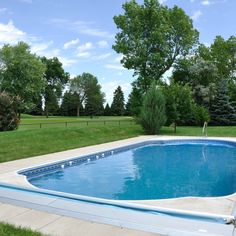 Fiberglass vs Concrete Inground Pools