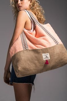 We introduce you our brand's newest bag design, our Beach Bag. We are totaly in love with this beauty, especially with the little tassels at the front and the floral inner lining. It's ideal for you who needs plenty of space for your beach essentials, but in the same time can be flat packed for your vacation luggage.