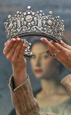 The Poltimore Tiara, given to Princess Margaret on her wedding day by her sister HM Queen Elizabeth II. For me this is the most beautiful tiara in the Queens collection! Probably (again, for me) the most beautiful tiara in the world. Royal Crowns, Royal Tiaras, Tiaras And Crowns, Royal Crown Jewels, Pageant Crowns, Princess Margaret Wedding, Princess Anne, Poltimore Tiara, Princesa Margaret