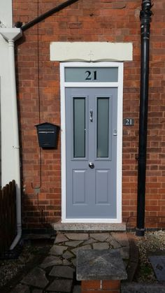 Another popular Ludlow 2 @SolidorLtd  composite door in French grey with a bespoke sandblasted top light. London etched door glass with brushed aluminium doctor knocker, door pull and finger pull handle. Installed in Carlton, Nottingham. For a free quotation call us on 01158 660066 visit http://www.thenottinghamwindwcompany.co.uk or pop into our West Bridgford showroom. #Nottingham #Bespoke #SOTM #Ludlow #Ideas #Home #Solidor #Carlton