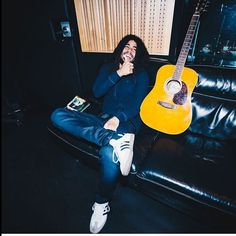 Skip Marley 🇯🇲 Skip Marley, Bob Marley, Marley Family, Damian Marley, Reggae Artists, Gorgeous Black Men, Dreads, Friends Family, Jamaica