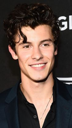 Listen to every Shawn Mendes track @ Iomoio Shawn Mendes Fofo, Shawn Mendes Cute, Shawn Mendes Eyes, Shawn Mendes Smiling, Shawn Mendes Wallpaper, Magcon, Fangirl, Shawn Mendas, Mendes Army