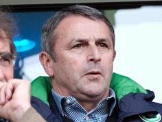 Wolfsburgs Manager Klaus Allofs kündigt einen personellen Umruch an. Foto: Peter Steffen
