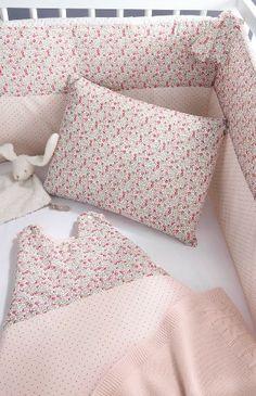 Les cadeaux de naissance on pinterest tour de lit bebe and liberty - Tour de lit liberty rose ...