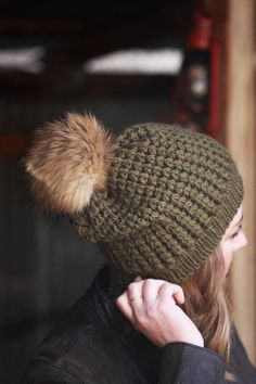 Beautifully textured crochet beanie pattern with the perfect amount of slouch. Proudly show off your finished Mila Sova design with our labels and easy to attach rivets. Get it here: http://etsy.me/1ibd7LI :::::::::::: PLEASE READ THE FINE PRINT :::::::::::::::::: This listing is for