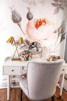 9d1c50271973 21 Best Small bedroom vanity images