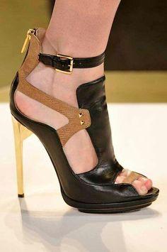 Imagem de heels and shoes Hot Shoes, Crazy Shoes, Me Too Shoes, Shoes Heels, Pumps, Sexy Heels, High Heels, Shoe Boots, Shoe Bag