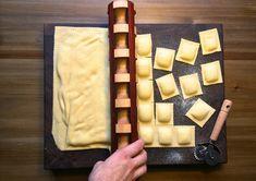 Fonde, rodillo para hacer raviolis de pasta fresca