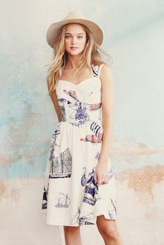 Cute Summer dress with prints and a hat | fashion