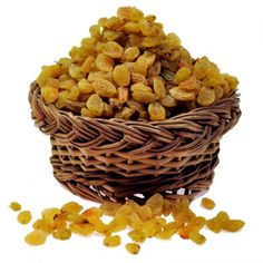 Buy Hand Picked Green Kishmish Dryfruit Gift Box at We provide latest collection of Diwali Dry Fruits that are cost effective & easy to use. Dry Fruits Online, Online Grocery Store, Dog Food Recipes, Healthy Recipes, Green Tea Benefits, Healthy Detox, Fresh Fruits And Vegetables, Dried Fruit, Food Items