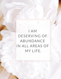 Use these affirmations to create a life of abundance and happiness. Affirmations For Women, Daily Positive Affirmations, Positive Affirmations Quotes, Wealth Affirmations, Morning Affirmations, Law Of Attraction Affirmations, Affirmation Quotes, Positive Mindset, Gratitude Quotes