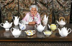 Eva Zeisel with a tableful of her creations in 2005. Eva Zeisel, ceramics designer whose dinnerware was museum quality, dies at 105