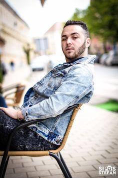 ' Nu trebuie să cadă alţii ca să fii tu superior '  # http://talosdarius.ro/citate-personale/