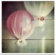 tulle wrapped balloons for quick/easy ceremony decor