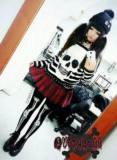Street style, punk, alternative, fashion, pretty, dark, cook, pretty, hair, long hair, emo, scene, style, outfit